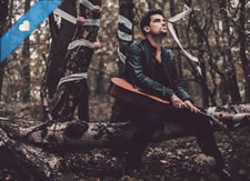 Exclusive Premiere: Gavin Davenport - Wooden Swords And May Queens